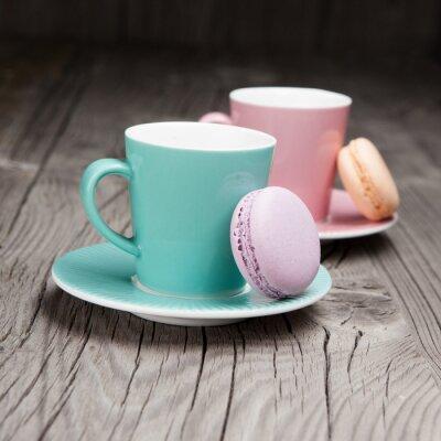 Fotomural Copos de café com macaroons franceses sobre a mesa
