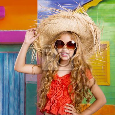 6fbd66f476e6c Fotomural crianças loiras feliz turista chapéu de praia menina e óculos de  sol