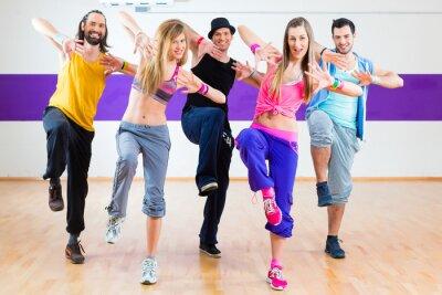 Fotomural Dançarino no Zumba fitness formação em estúdio de dança