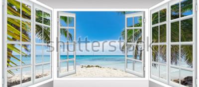 Fotomural dia ensolarado de verão a vista da janela na praia do mar com palmeira