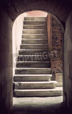 Fotomural Escadaria vazia antiga Mysterious em sépia
