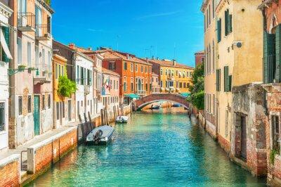 Fotomural Estreito canal em Veneza, Itália.