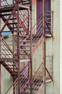 Fotomural Exterior escadas de incêndio no edifício de fabricação