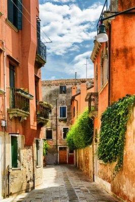 Fotomural Fachadas de casas antigas na rua Gradisca Cannaregio, Veneza