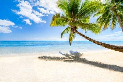 Fotomural Férias na praia em uma ilha deserta no mar