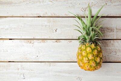 Fotomural Fundo do verão com abacaxi na placa de madeira