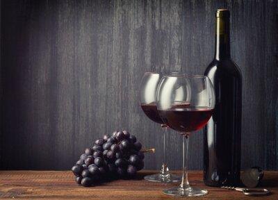 Fotomural Garrafa e dois copos de vinho tinto