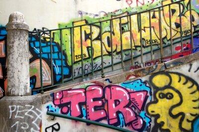 Fotomural grafite colorido em uma parede