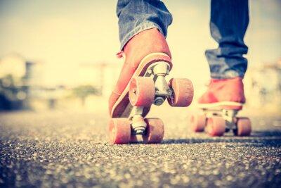 Fotomural Homem fresco usando sapatos de patinação