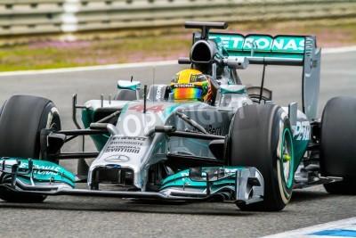 Fotomural JEREZ DE LA FRONTERA, Espanha - 31 de janeiro: Lewis Hamilton de raças Mercedes F1 na sessão de formação janeiro em 31, 2014, em Jerez de la Frontera, Espanha