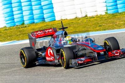 Fotomural JEREZ DE LA FRONTERA, ESPANHA - FEVEREIRO 10: Lewis Hamilton, da McLaren corridas de F1 na sessão de formação em 10 de Fevereiro de 2012, em Jerez de la Frontera, Espanha