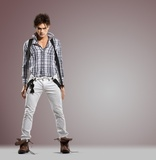 Atraente modelo masculino novo atitude séria - tiro do estúdio ... 40b95f793f5