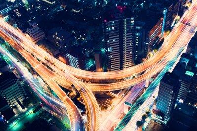 Fotomural Junção vista aérea rodovia à noite em Tóquio, Japão