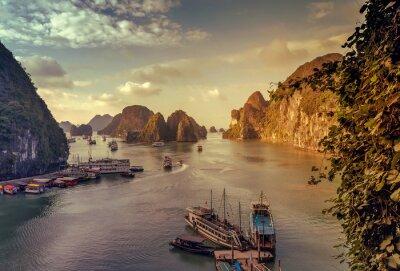 Fotomural Junk Ha Long Bay Vietnã.