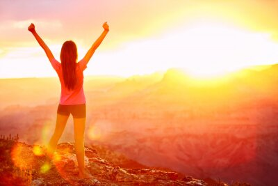 Fotomural Liberdade e aventura - a mulher feliz, Grand Canyon