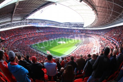 Fotomural LONDRES - ABRIL 14: Os defensores assistir ao jogo de futebol do Liverpool - Everton Semi Final da FA Cup Multidão na Wembley Arena Stadium em 14 de abril de 2012 em Londres, Inglaterra Reino Unido.