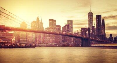 Fotomural Manhattan estilizado retro no por do sol, New York, EUA.