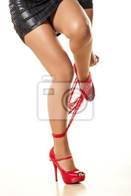 334a9ca13 Fotomural menina bonita despir a calcinha vermelha sobre fundo branco