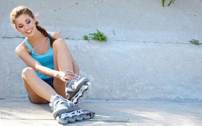 Fotomural Menina rolo descansando sobre os passos