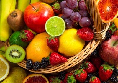 Fotomural Mistura de frutas frescas em vime bascket