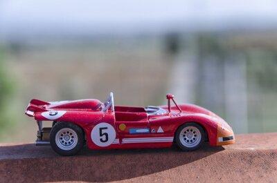 Fotomural Modelo de um carro de competência velho no sol