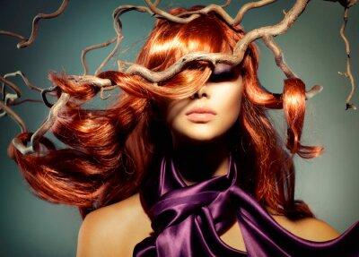Fotomural Modelo Retrato da mulher com cabelo longo encaracolado Red
