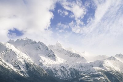 Fotomural Montanhas e nuvens