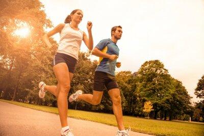 Fotomural Movimentar-se juntos - esporte jovem casal