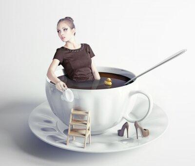 Fotomural mulher na xícara de café