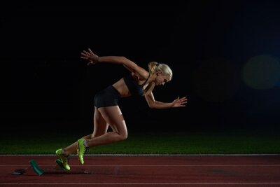 Fotomural Mulher sprinter deixando blocos de partida