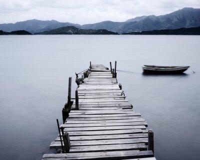 Fotomural olhar no cais e de barco, baixa saturação