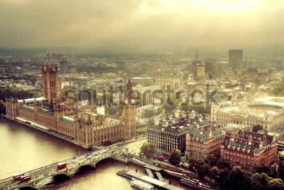Fotomural Opinião aérea de Westminster com rio urbano de Tamisa e arquitetura da cidade urbana de Londres.