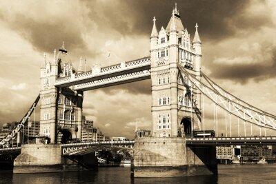 Fotomural Opinião do vintage da Tower Bridge, em Londres. Sepia tonificado.