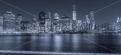 Fotomural Opinião preto e branco da noite de New York City.
