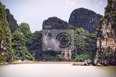 Fotomural Paisagem pitoresca do mar. Ha Long Bay, Vietnã