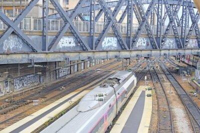 Fotomural Paris, França, 9 de fevereiro de 2016: estação ferroviária Nord em Paris, França