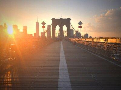 Fotomural Ponte di Brooklyn al tramonto con vista di New York