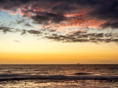 Fotomural Pôr do sol em um navio no Oceano Atlântico na Cidade do Cabo - 1