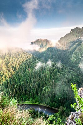 Fotomural Poranek w górach. Krajobraz Mglisty.
