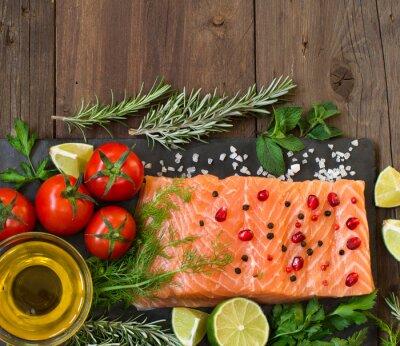 Fotomural Salmão com legumes, azeite e ervas