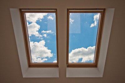 Fotomural Skylight. Vista da janela. Vista do céu da janela. Janela no telhado. Luz solar através da janela do sótão. Luz na casa