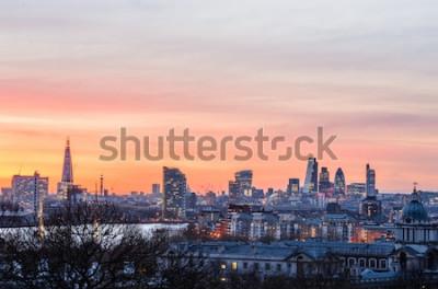 Fotomural Skyline de Londres ao pôr do sol, Inglaterra, Reino Unido