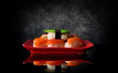 Fotomural Sushi na placa vermelha