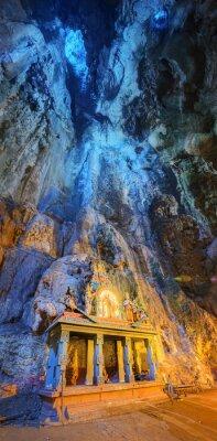 Fotomural Templo no meio de uma caverna em Batu Caves Templo complexo em Kuala Lumpur