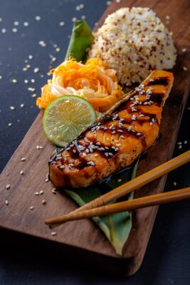 Fotomural Teriyaki, salmão, arroz, madeira, prato