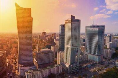 Fotomural Varsóvia centro - foto aérea de arranha-céus modernos, pôr do sol