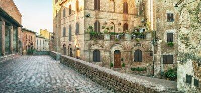 Fotomural Vista panorâmica da rua em Certaldo, Italy.