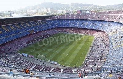 Fotomural BARCELONA, SPAIN – AUGUST 18: A sold out Barcelona football stadium Camp Nou during the match between FC Barcelona and FC Levante on August 18, 2013 in Barcelona, Spain.