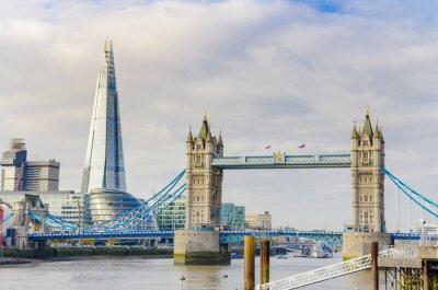 Poster A Ponte Shard e Torre no rio Tamisa em Londres, Reino Unido