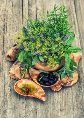 Poster Azeitonas, óleo, ervas e especiarias. Estilo vintage tonificado